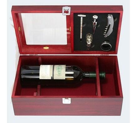 Dřevěný box se setem na 2 láhve, vínová